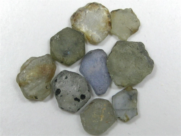 Montana Missouri River Sapphire Flats, 9 pieces / 24.67 tcw,